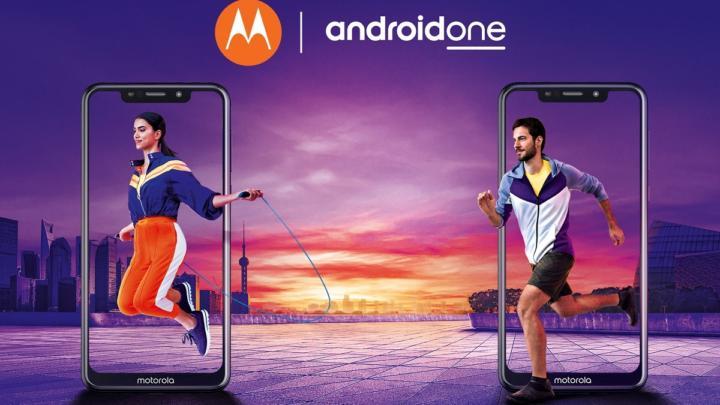 Motorola One je designový telefon s čistým androidem a dlouhou výdrží