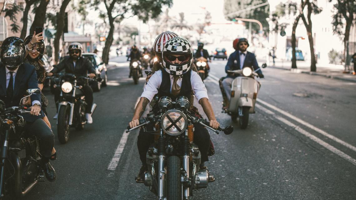 """Spanilé jízdy motorkářů """"Distinguished Gentleman's Ride"""" projedou v neděli 7 českými městy"""