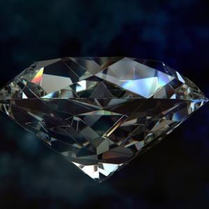Šperkaři dokáží uměle vypěstovat diamanty se stejnými vlastnosti jako mají ty přírodní
