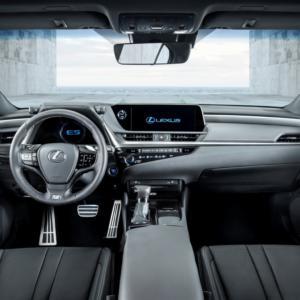Interiér Lexusu ES přináší ticho jako uprostřed přírody
