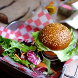 Tipy, kam vyrazit v Praze, Brně a Ostravě na burger