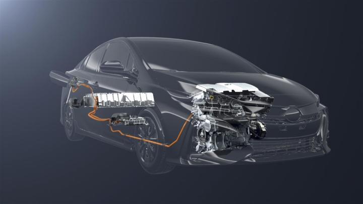 Mobily i hybridní vozy budou výkonnější, slibuje Toyota