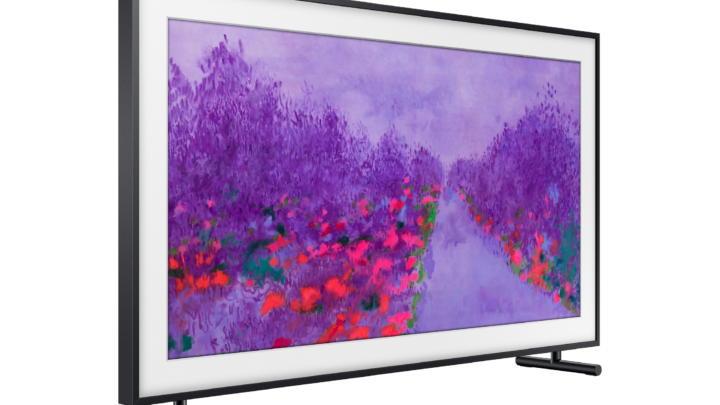 Televizory Samsung QLED promění obývací pokoj v galerii současného umění