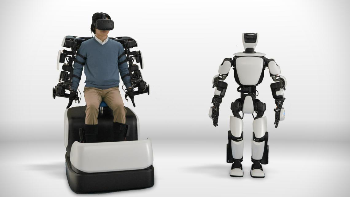 Toyota umí ovládat robota ze vzdálenosti 10 kilometrů