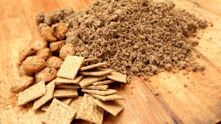 Plzeňský Prazdroj zkouší využít mláto na sušenky, chutnají dobře i k pivu