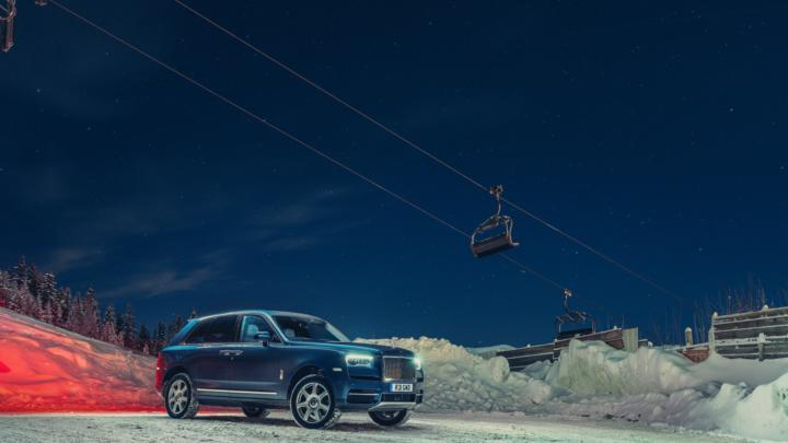 Luxus je v kurzu! Rolls-Royce prodává jako nikdy dřív