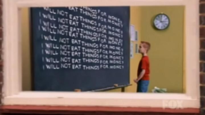 Někdo natočil znělku Simpsonových s živými herci a v reálném prostředí