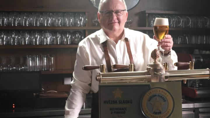Plzeňský Prazdroj rozjíždí novou certifikaci hospod se špičkově ošetřeným a čepovaným pivem