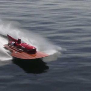 Ferrari začalo restaurovat motor v jediném exempláři lodi Ferrari