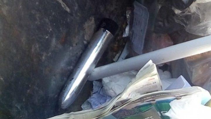 Ženu vyděsily zvuky z popelnice, tak zavolala Městskou Policii. Ta zjistila, že je vydával zapnutý vibrátor