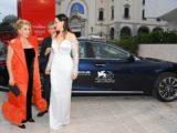 Čím jezdil Brad Pitt nebo Scarlett Johansson v Benátkách?