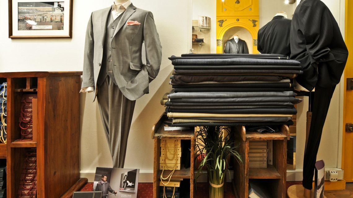 Někteří obchodníci jsou ve využívání umělé inteligence napřed. Luxusním značkám například pomáhá prodávat unikátní obleky i hýčkat zákazníky