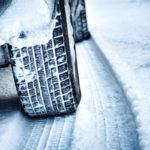 Od 1. listopadu jsou zimní pneumatiky v některých situacích povinné. Na co si dát pozor?