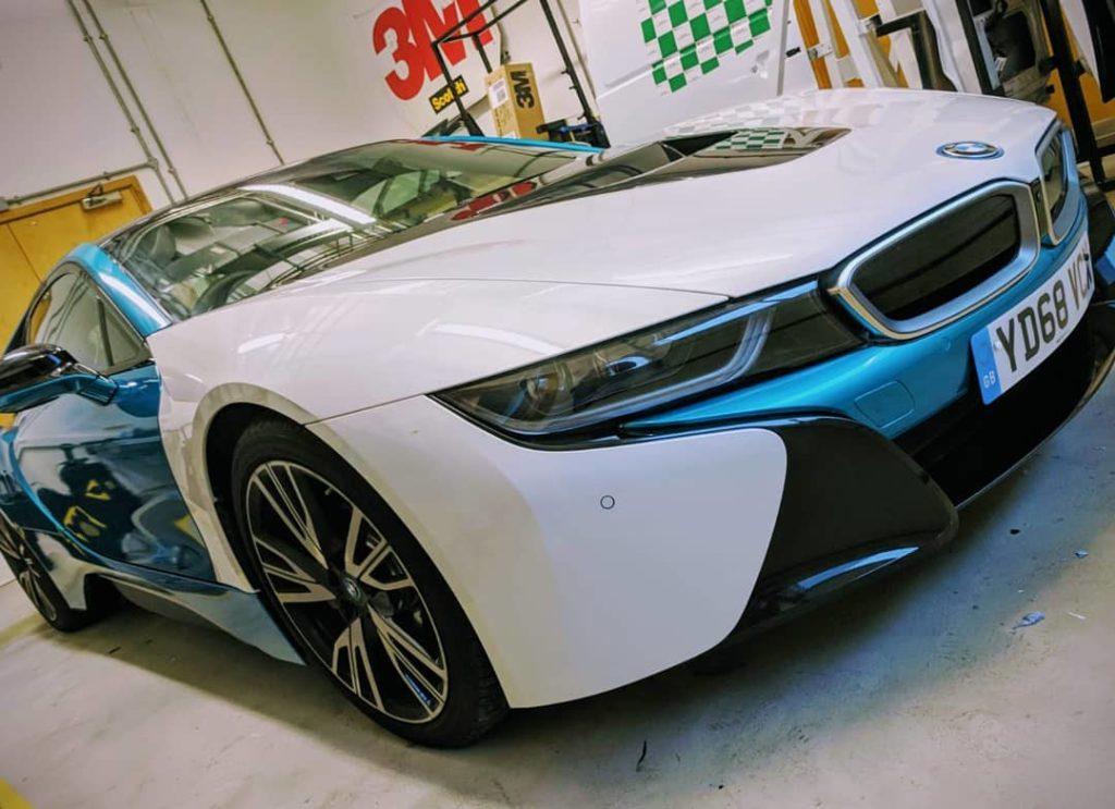 BMW i8 in blue